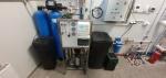 Atvirkštinio osmoso įranga su nepertraukiamo minkštinimo filtru
